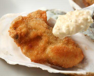 牡蠣フライ(2個)<br /> 900円(税抜)